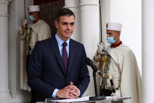 El presidente del Gobierno, Pedro Sánchez, ofrece un discurso durante su visita oficial, en Argel (Argelia) a 8 de octubre de 2020.