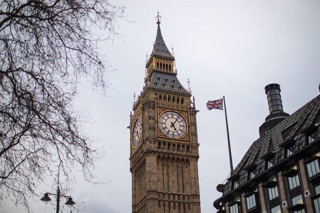 R.Unido.- Reino Unido enfría el rebote del PIB tras el confinamiento, con un cre