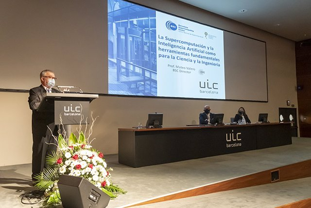 El director del BSC, Mateo Valero, realiza el discurso inaugural del curso 2020-21 de UIC Barcelona