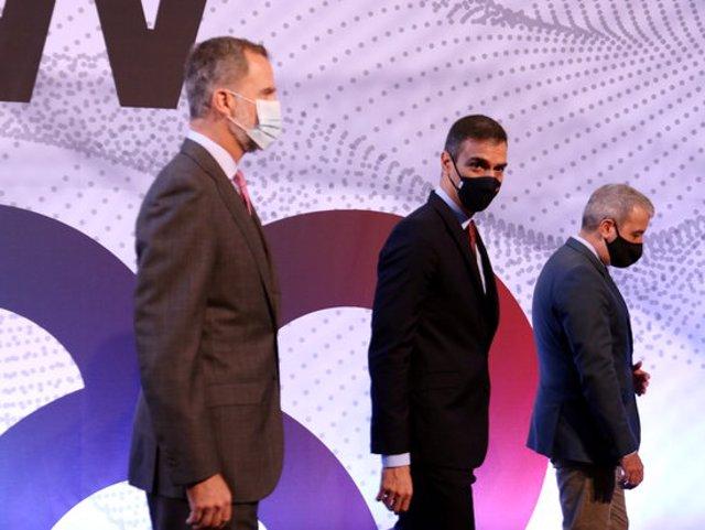 Pla americà de Pedro Sánchez, amb el rei Felip VI i Jaume Collboni. Imatge del 9 de setembre de 2020. (Horitzontal)