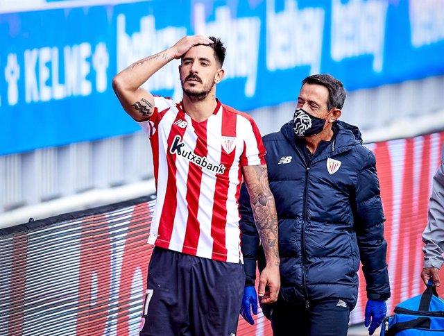 AMP.- Fútbol.- Yuri Berchiche da positivo por coronavirus en el Athletic Club