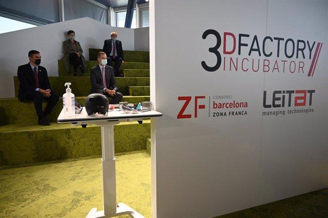 El Rey y Sánchez visitan en Barcelona la 3D Factory Incubator del CZFB