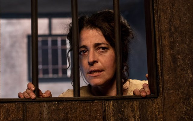 Nora Navas a 'La Vampira de Barcelona', dirigida per Lluís Danés (horitzontal).