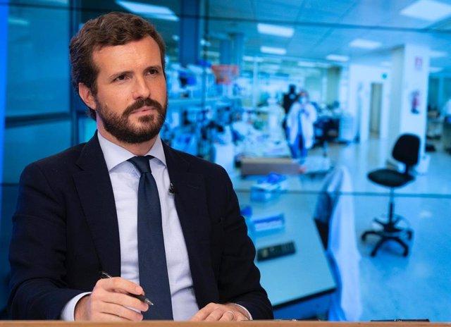 El líder del PP, Pablo Casado, ofereix una roda de premsa després que el Govern espanyol hagi decretat l'estat d'alarma a la Comunitat de Madrid. Madrid (Espanya), 9 de octubre del 2020.