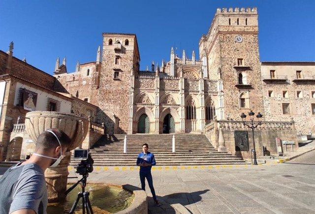 Arzobispo de Toledo da la bienvenida a los participantes de la primera peregrina