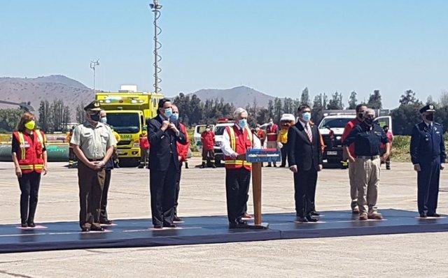 El presidente chileno, Sebastián Piñera, anuncia el plan para hacer frente a los incendios forestales.