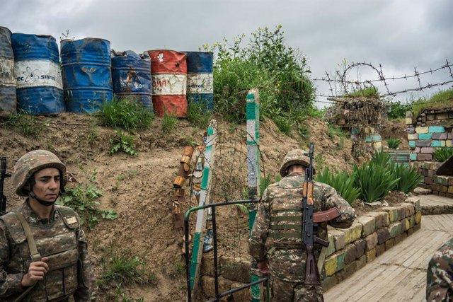 Armenia/Azerbaiyán.- Armenia y Azerbaiyán acuerdan un alto el fuego en Nagorno K
