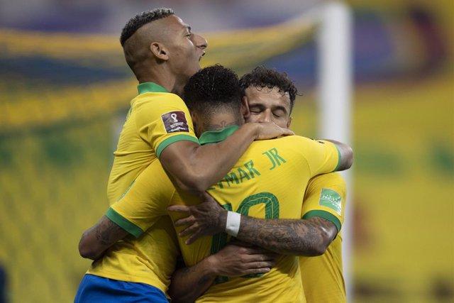 Fútbol.- Brasil golea a Bolivia en su estreno en las eliminatorias para el Mundi