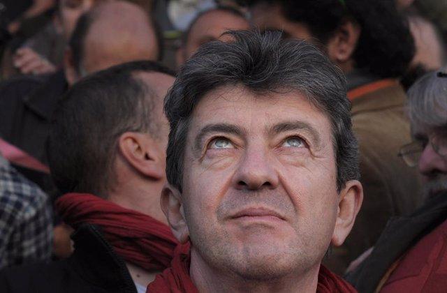 Francia.- Un millar de personalidades de la izquierda francesa piden una candida