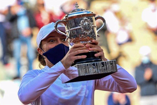 Tenis/Roland Garros.- La joven polaca Iga Swiatek hace historia en Roland Garros