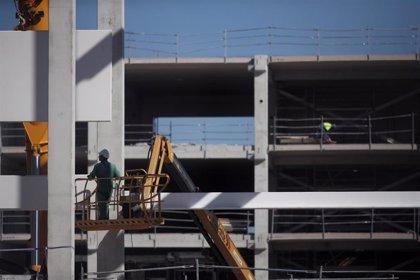 CC.OO. cree que el plan de recuperación del Gobierno será positivo para el sector de la construcción