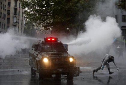 Continúan las protestas sociales a dos semanas del referéndum constitucional en Chile