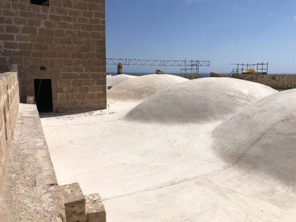 La iglesia-fortaleza de San Bartolomé de Xàbia recupera las almenas y tribunas que sirvieron de refugio contra piratas