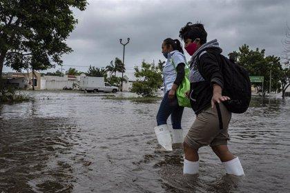 Medio millón de hogares se quedan sin electricidad por el huracán 'Delta' en el sur de EEUU