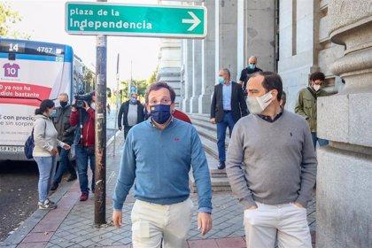 Almeida afirma que estudios preeliminares avalan que los vehículos C no suponen más emisiones en Madrid Central