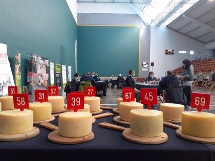 La Leze, Azkarra y Patxi Lopez Uralde, los tres mejores quesos de pastor  Idiazabal Baserrikoa