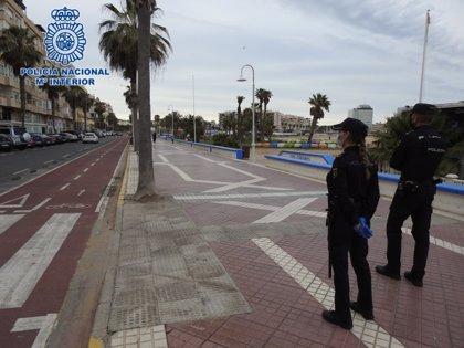Empiezan a multar en Melilla a corredores sin mascarillas en zonas de paseo de ciudadanos