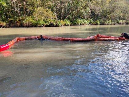 Instalan una barrera para corregir la turbieza del río Eume que impide el consumo de agua potable en Pontedeume