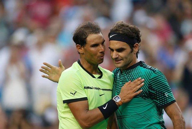 """Tenis/Roland Garros.- Federer: """"Es un gran honor felicitar a Nadal por su 20º 'g"""