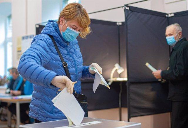 AMP.- Lituania.- La oposición conservadora de Lituania toma ventaja en la primer