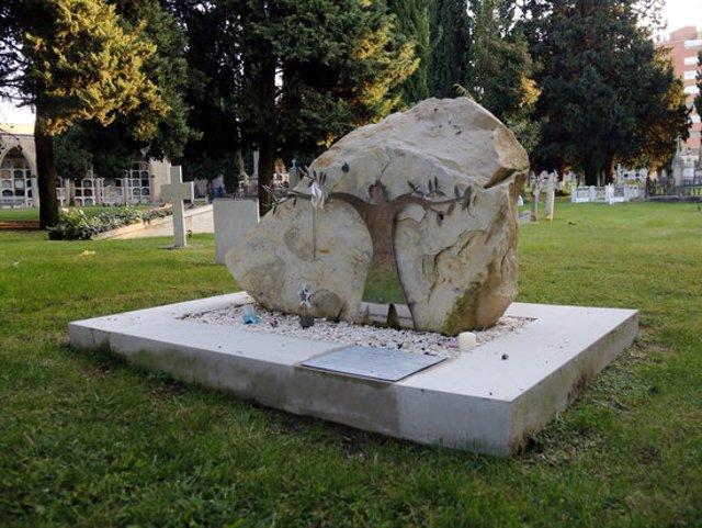 Pla general de l'espai Empremtes dedicat al dol perinatal, que està ubicat al cementiri de Tàrrega, el 9 d'octubre de 2020. (Horitzontall)