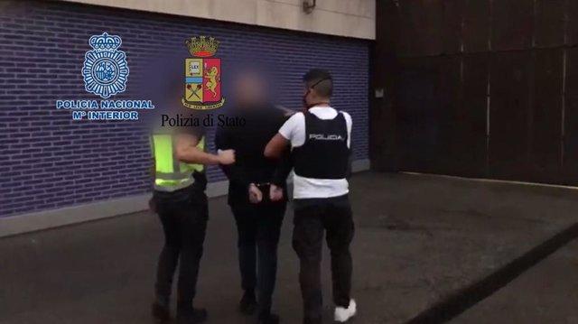La Policia Nacional deté un fugitiu del grup criminal 'Ndrangheta a Barcelona.