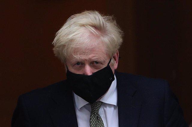 Coronavirus.- Johnson anuncia nuevas restricciones para el norte de Inglaterra a