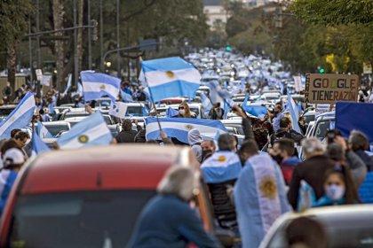 Coronavirus.- Argentina supera los 900.000 casos de coronavirus en medio de protestas contra el Gobierno de Fernández