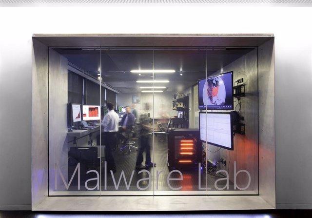 Microsoft interrumpe la 'botnet' Trickbot para evitar la difusión del ransomware