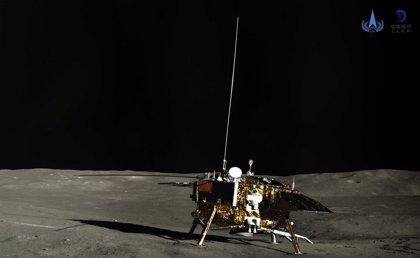 La misión china en la cara oculta lunar reanuda operaciones