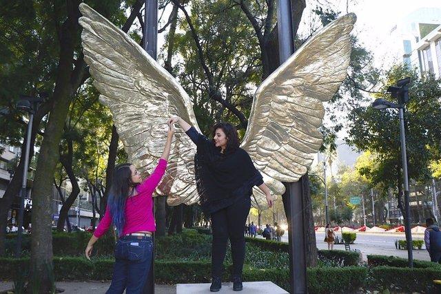 El montaje escultórico 'Alas de México' recala este miércoles en la toledana Pue