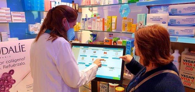 Imagen real del primer 'Kiosco digital para farmacias' desarrollado por el Grupo Hefame