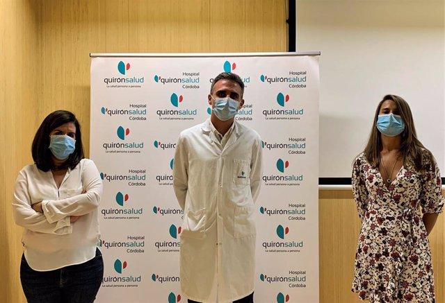 Los pediatras Mónica Rodríguez (izda.), Rafael González de Caldas y Belén Jordano