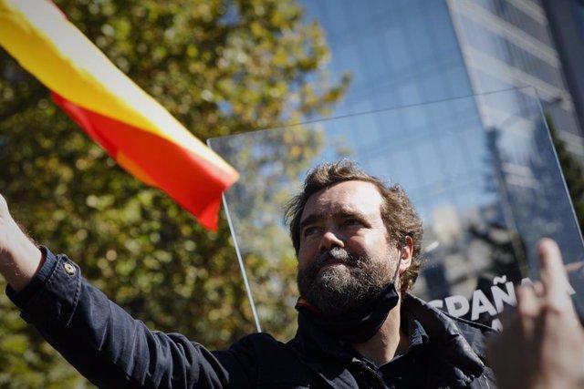 """VÍDEO: Vox augura que Podemos llamará a movilizaciones contra el Rey que """"acabar"""