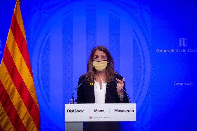 La consellera de Presidència i portaveu del Govern de la Generalitat, Meritxell Budó, intervé durant en la roda de premsa posterior al Consell Executiu. Barcelona, Catalunya, (Espanya), 13 d'octubre del 2020.