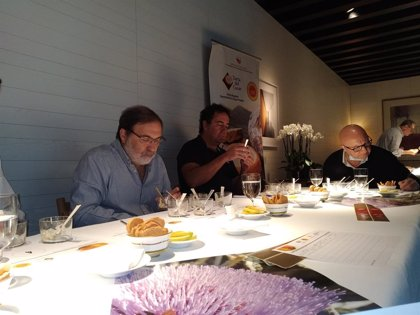 Quesería Doña Francisca SL gana la XX cata concurso Torta del Casar