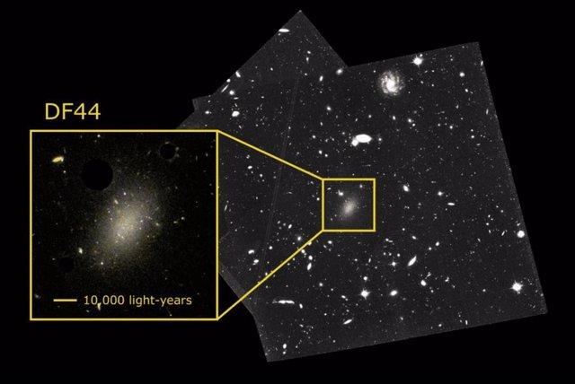 Resuelven el enigma del 99,99% de materia oscura en una extraña galaxia