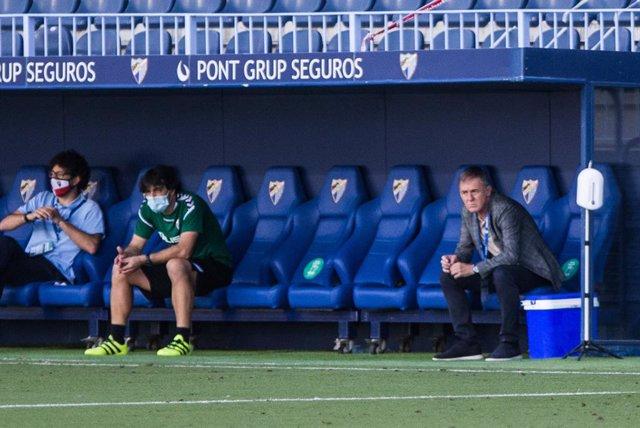 Fútbol.- El Albacete destituye a Lucas Alcaraz tras el mal inicio en LaLiga Smar