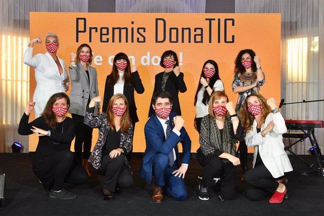 Los VI Premis Dona TIC de la Conselleria de Políticas Digitales de la Generalitat han reconocido el talento y liderazgo de ocho mujeres vinculadas a distintas ramas del sector tecnológico y a un proyecto social.
