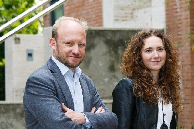 David Segarra, co-fundador y CEO de aptaTargets, y María Eugenia Zarabozo, co-fundadora y directora financiera de aptaTargets.