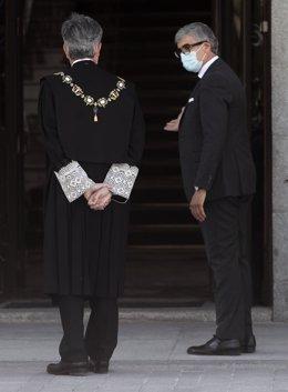 El presidente del Tribunal Supremo y del Consejo General del Poder Judicial (CGPJ), Carlos Lesmes entra al Palacio de Justicia, para asistir al acto de apertura del año judicial 2020/2021, en Madrid (España), a 7 de septiembre de 2020.