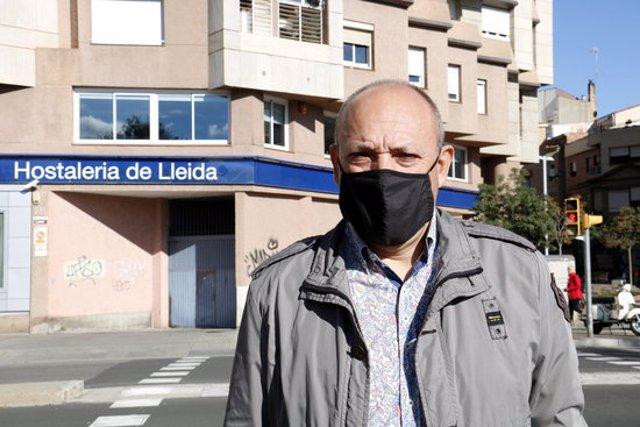 Primer pla del secretari general de la Federació d'Hostaleria de Lleida, Ramon Solsona. Imatge del 14 d'octubre de 2020. (Horitzontal)