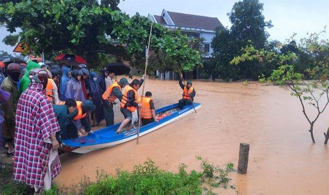 Asia.- Al menos 46 muertos por las tormentas e inundaciones en Vietnam y en Camb