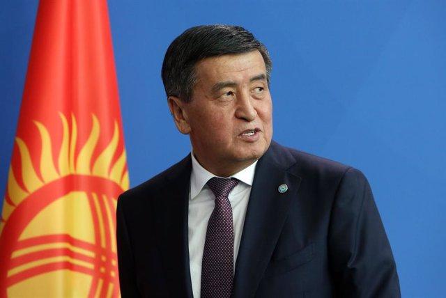 AMP2.- Kirguistán.- El presidente de Kirguistán se compromete a dimitir una vez
