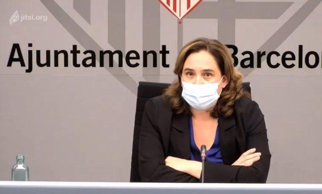 L'alcaldessa de Barcelona, Ada Colau, en una roda de premsa a l'Ajuntament de Barcelona.