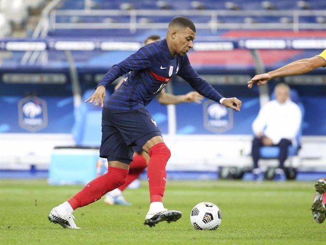 Fútbol/Liga Naciones.- (Crónica) Mbappé elimina a Croacia y Portugal gana sin Cr