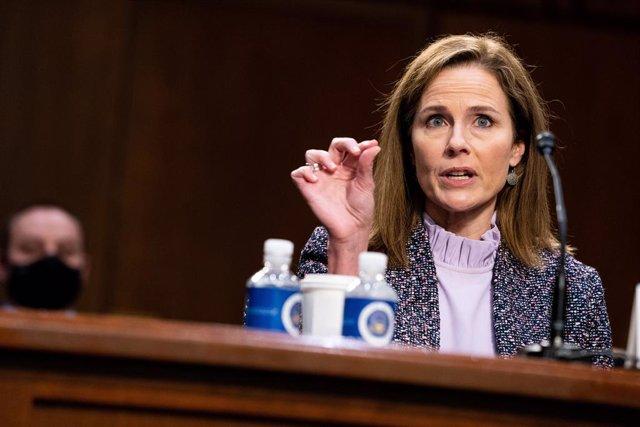 EEUU.- Barrett insiste en su independencia judicial e intenta desmarcarse de la