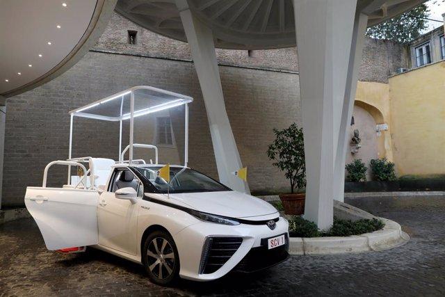 Economía/Motor.- Toyota entrega un 'papamóvil' de pila de combustible de hidróge