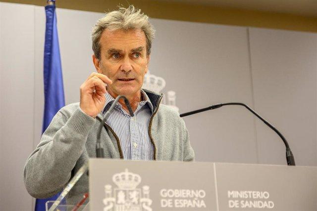 El director del Centro de Coordinación de Alertas y Emergencias Sanitarias (CCAES), Fernando Simón, comparece en rueda de prensa en el Ministerio de Sanidad para informar de la evolución de la pandemia, en Madrid (España), a 15 de octubre de 2020.