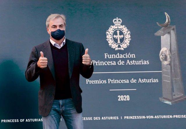 Motor/Premios.- Carlos Sainz ya está en Oviedo para recoger este viernes el Prin